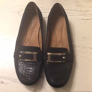 Naturalized women's 8W loafers